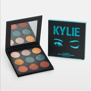 Kylie Cosmetics Blue Honey Palette